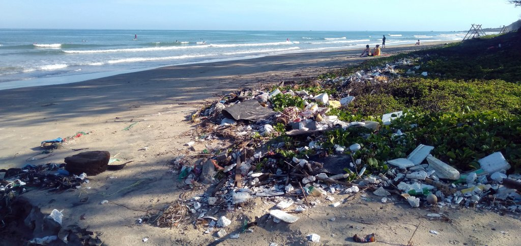 Plastic pollution is a world catastrophe